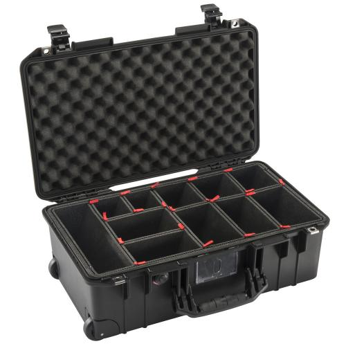 1535 AIR Carry-On Case With TrekPak Divider, Black