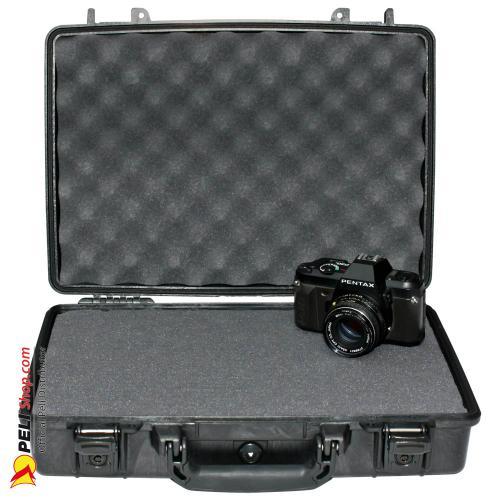 peli-1470-laptop-case-black-1