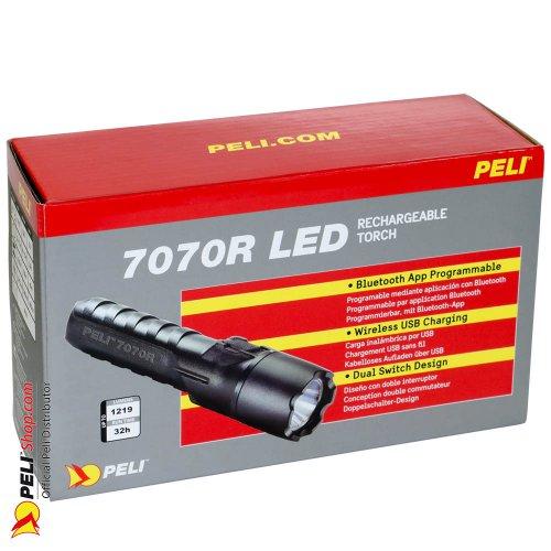 peli-7070r-0000-110e-7070r-led-rechargeable-torch-black-1