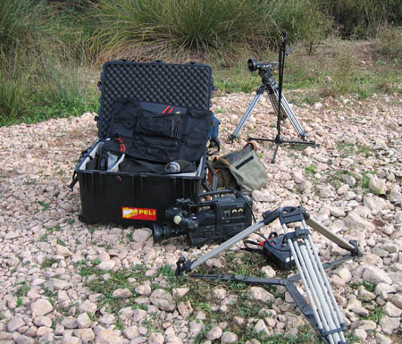 peli-1660-case-tv-camera-tripods.jpg