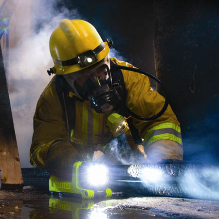 peli-9410-led-latern-yellow-firefighter-450x450pix.jpg