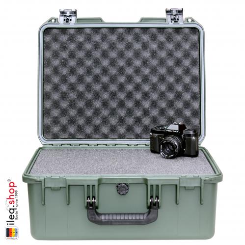 peli-storm-iM2450-case-olive-1-3
